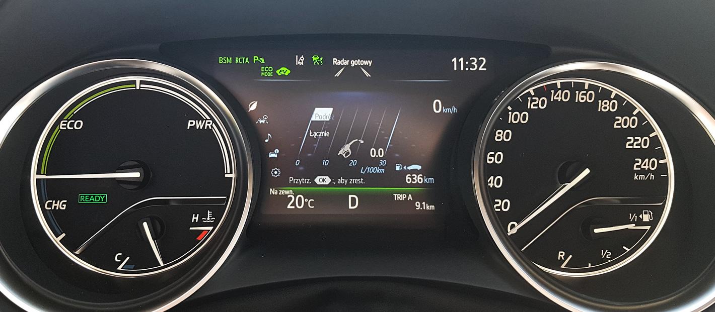 Toyota Camry Hybrid - 10 km w trybie EV
