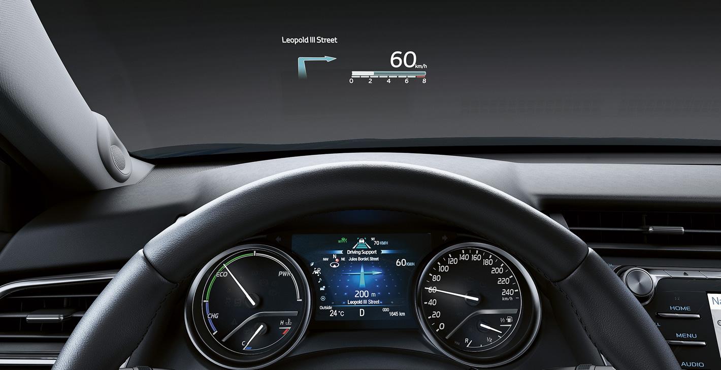 Toyota Camry Hybrid HUD