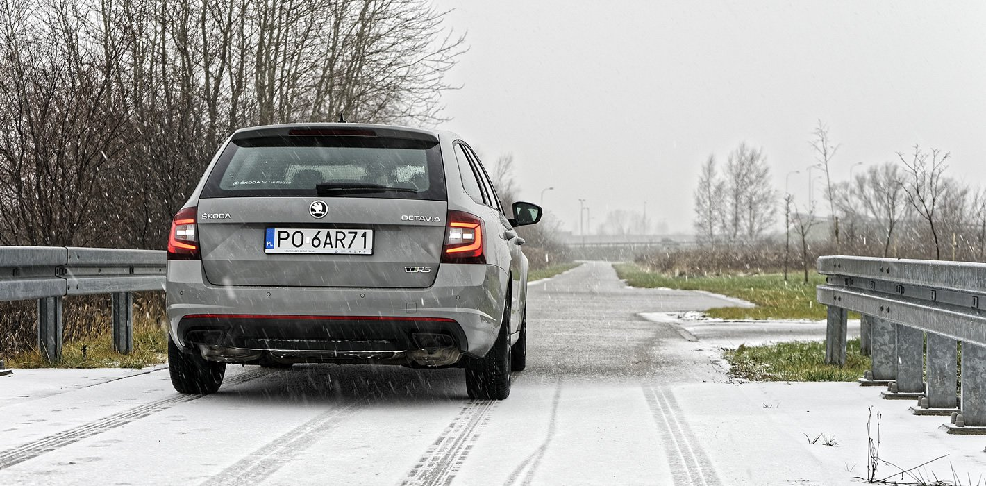 Skoda Octavia RS z tyłu