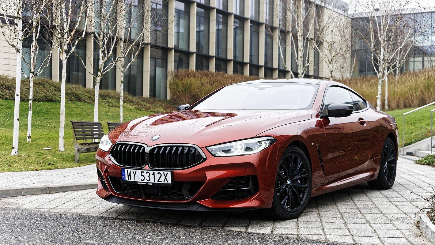 BMW M850i xDrive z zaawansowanymi systemami wsparcia kierowcy