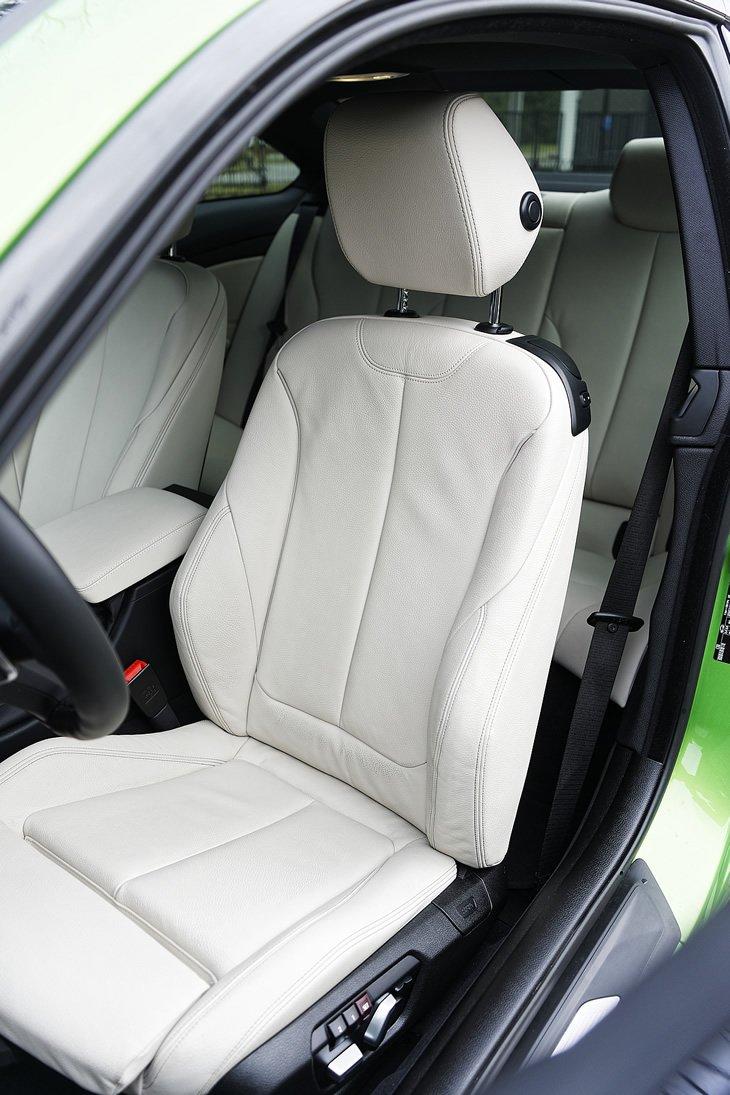 BMW 440i coupe - fotel kierowcy