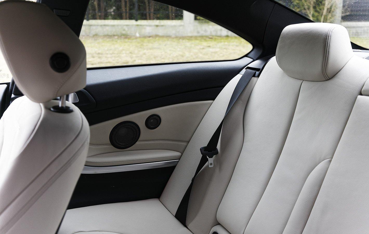 BMW 440i coupe - tylna część kabiny
