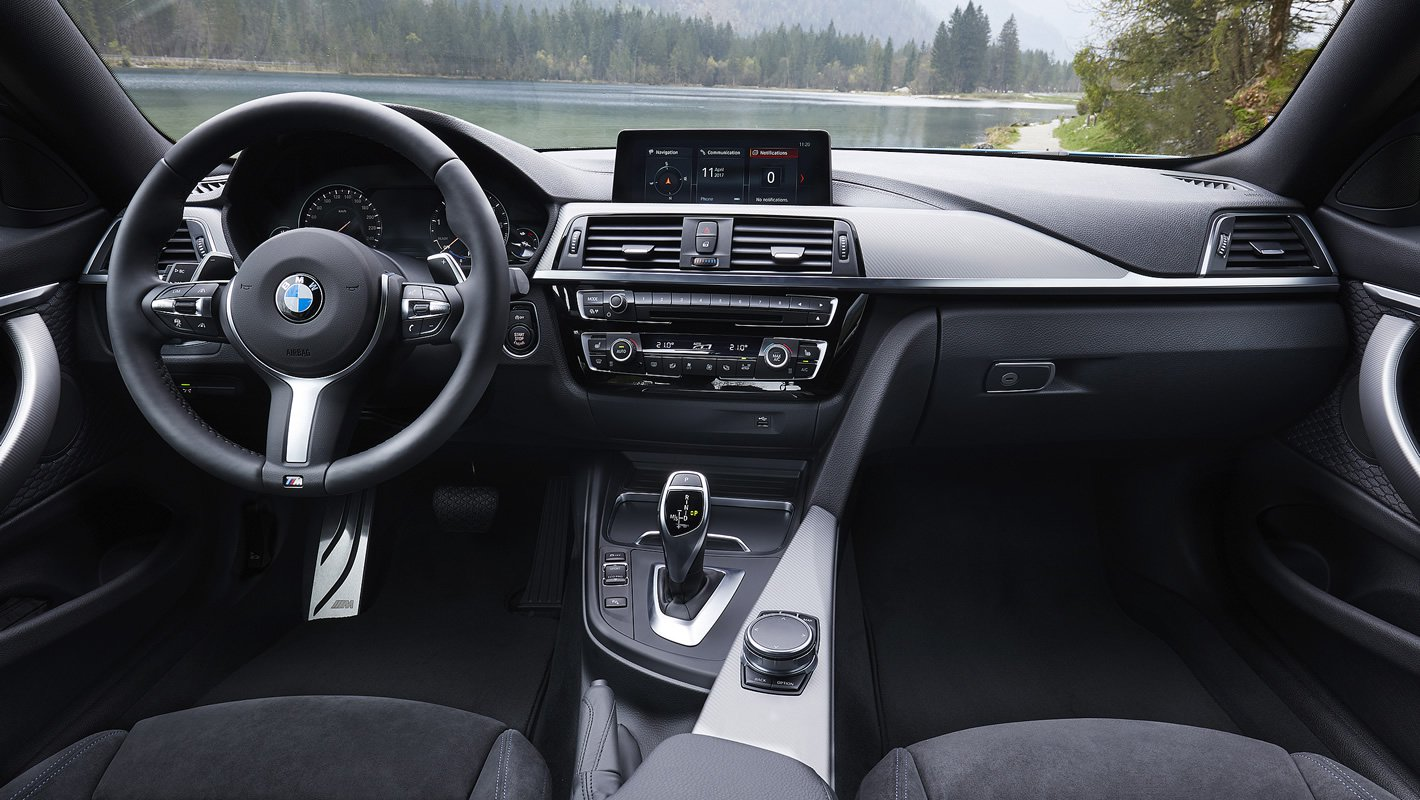 BMW 440i coupe - kokpit