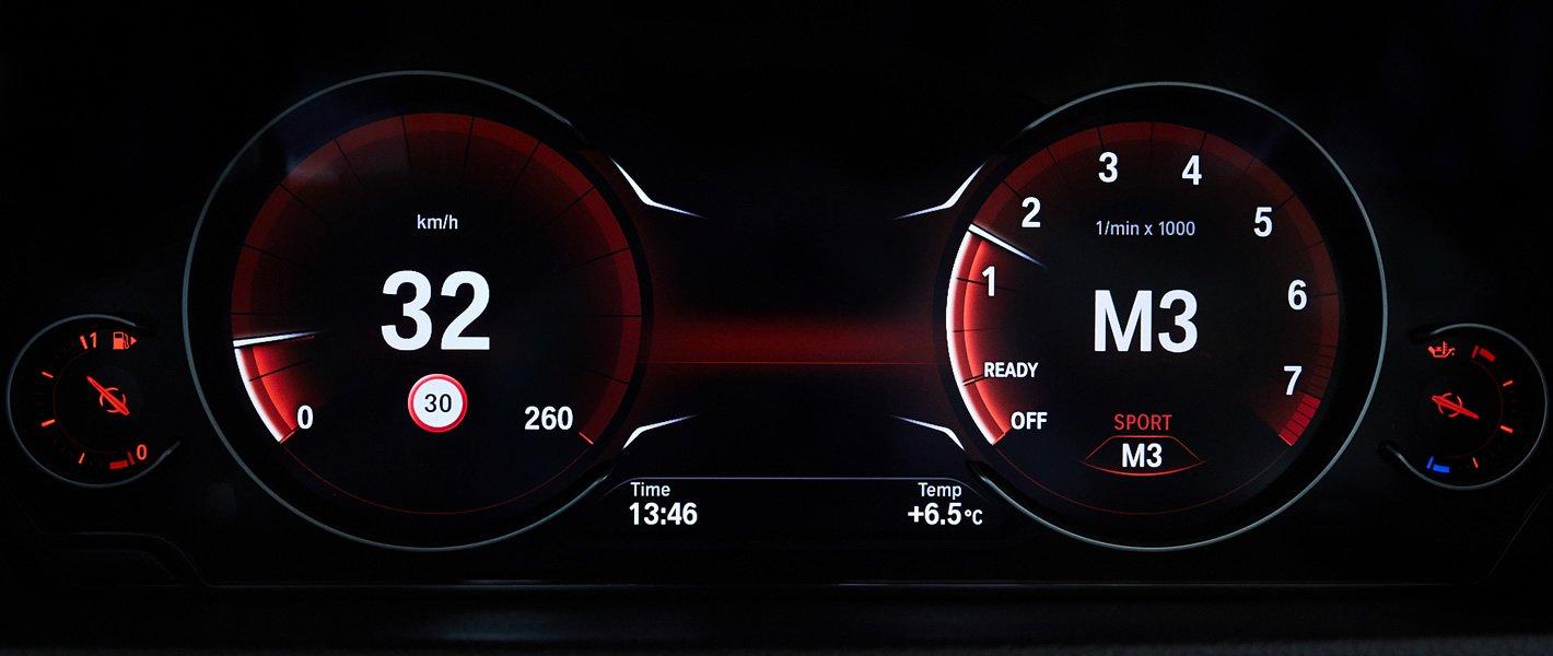 BMW 440i coupe - sportowy układ wirtualnych zegarów