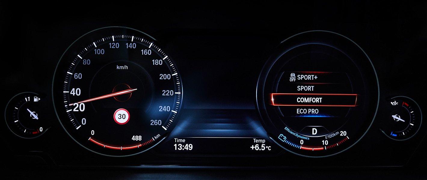 BMW 440i coupe - standardowy widok zegarów