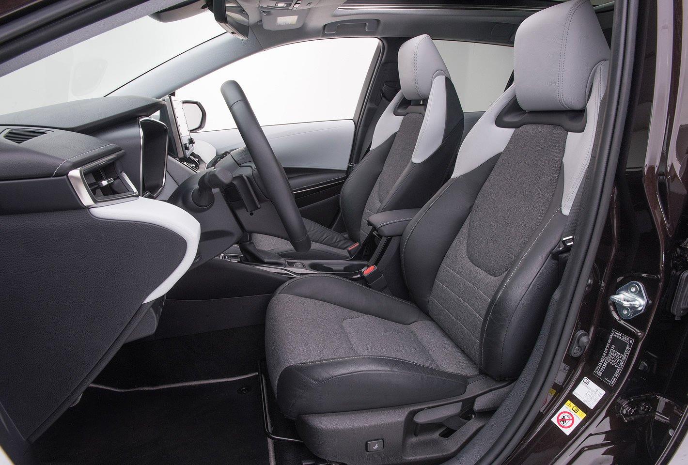 Toyota Corolla - fotel kierowcy