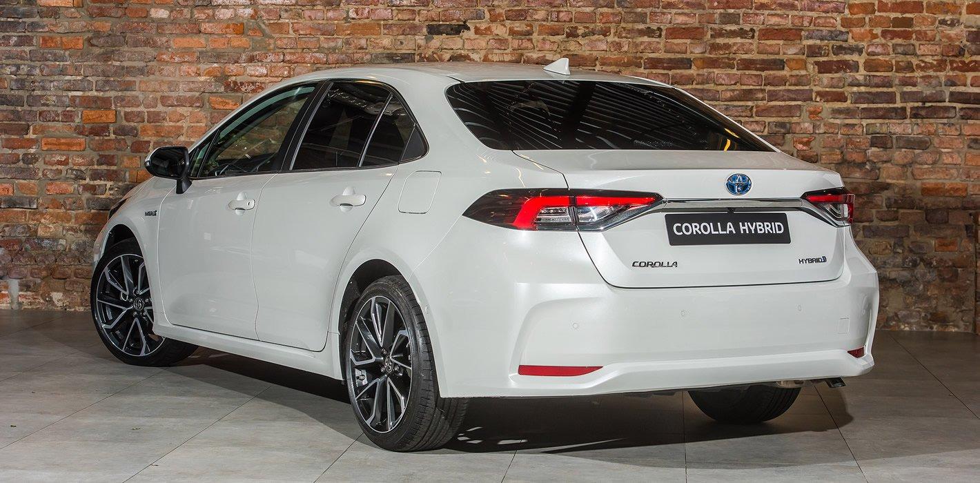 Toyota Corolla Sedan z silnikiem 1.8 l Hybrid