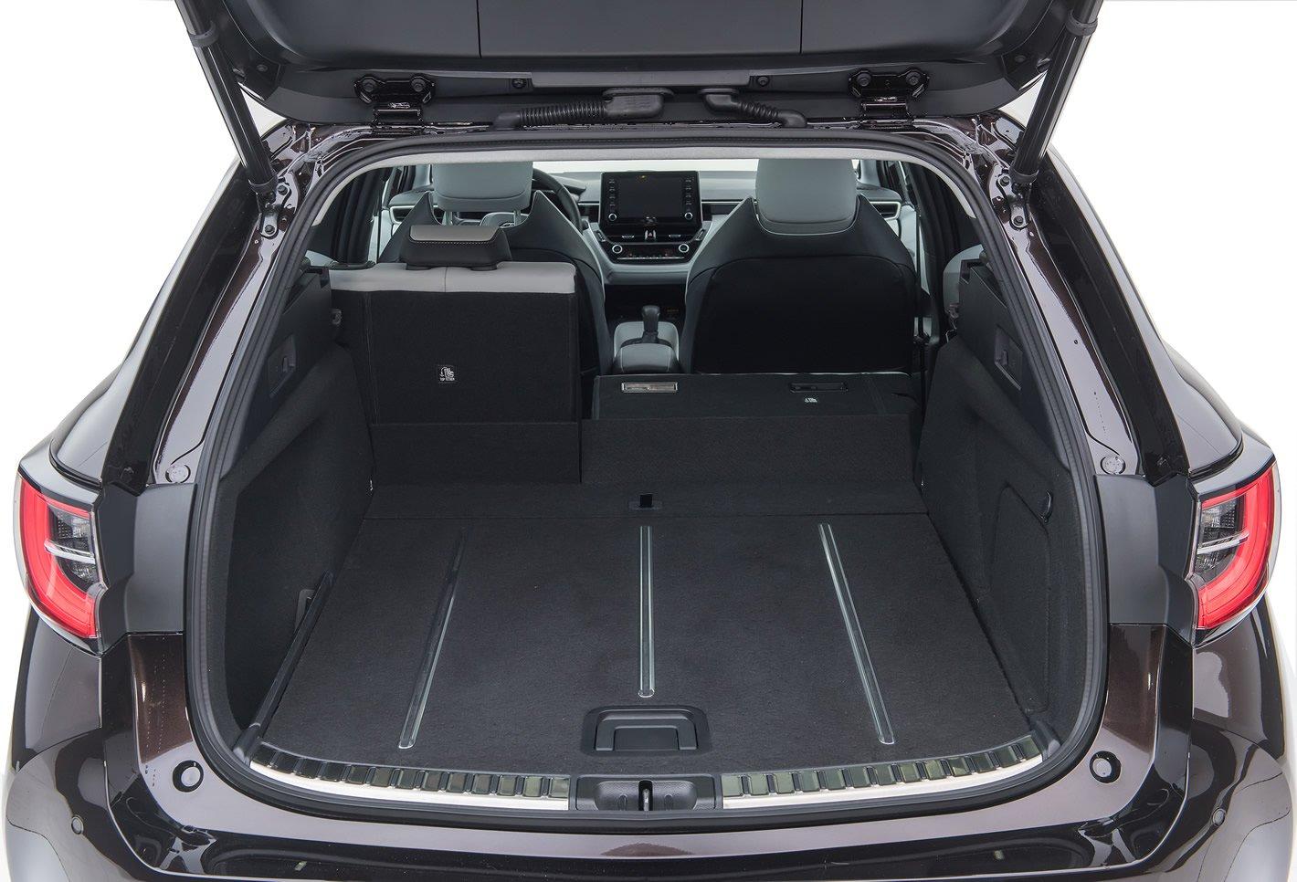 Toyota Corolla - bagażnik w Touring Sports