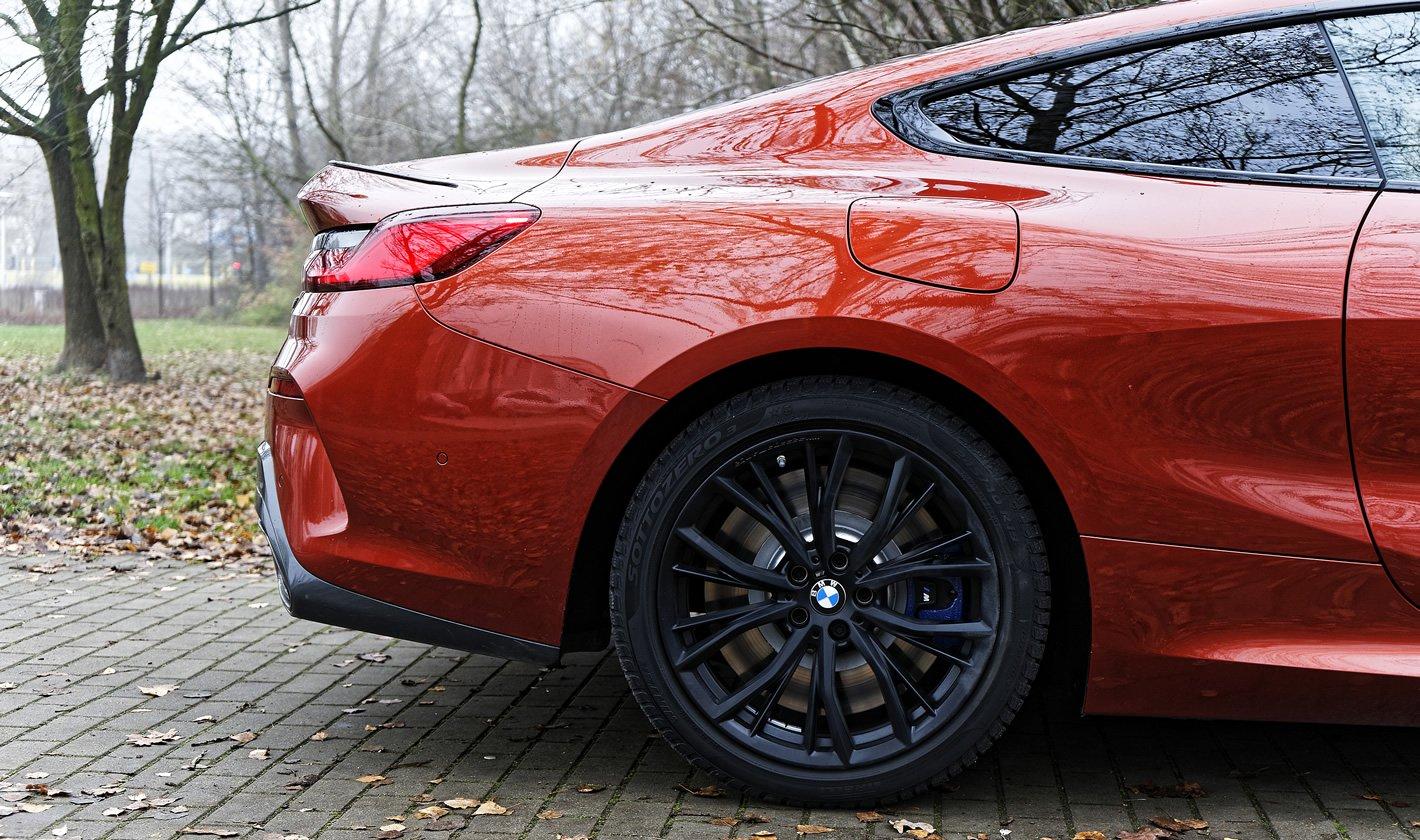 BMW M850i xDrive - tylne hamulce
