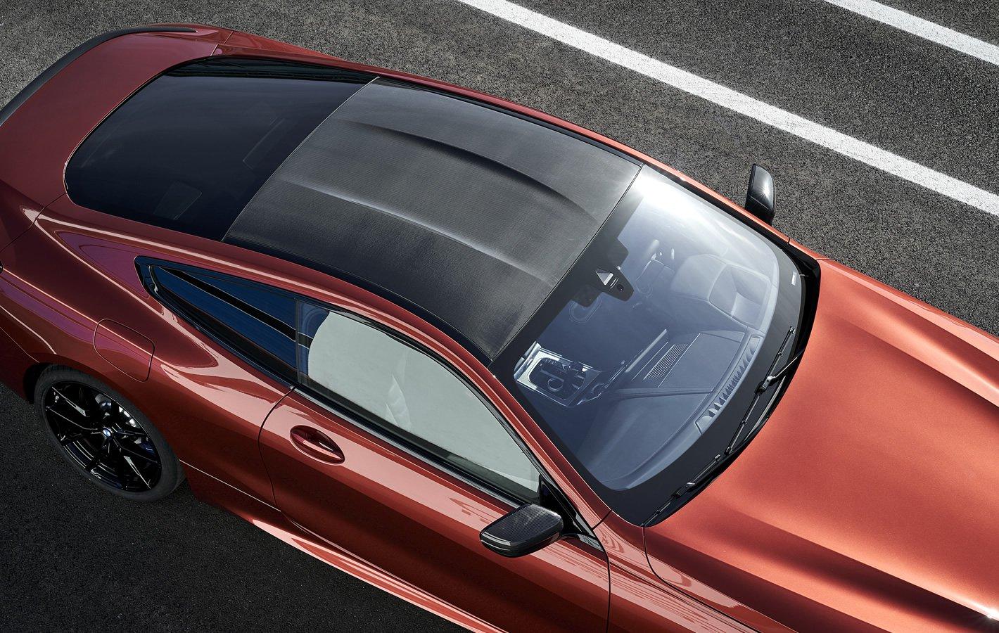BMW M850i xDrive - dach z włókna węglowego