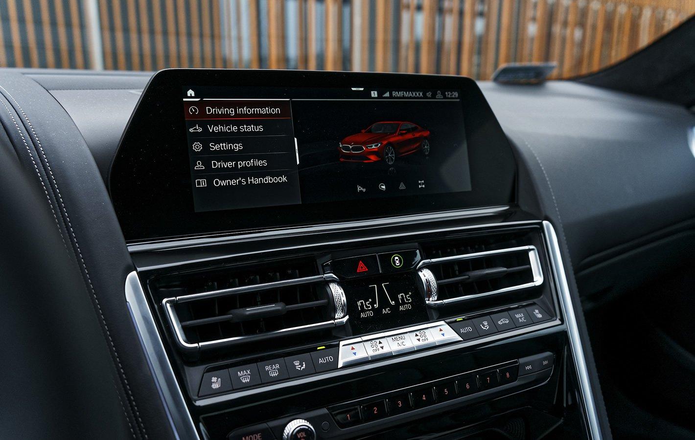 BMW M850i xDrive - nowy system multimedialny