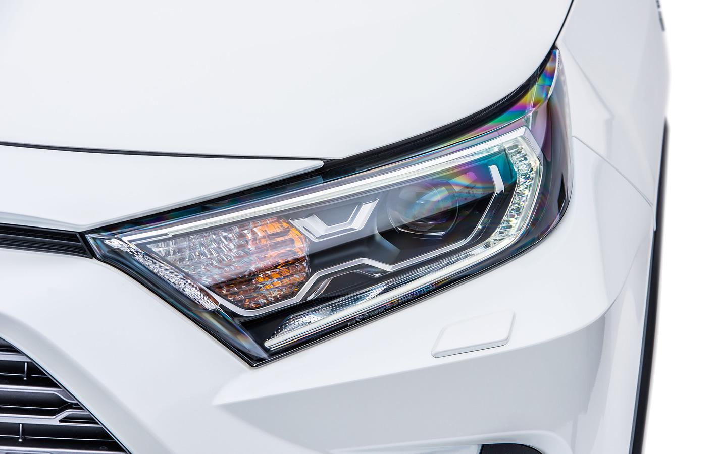 Toyota RAV4 2019 - reflektory przednie