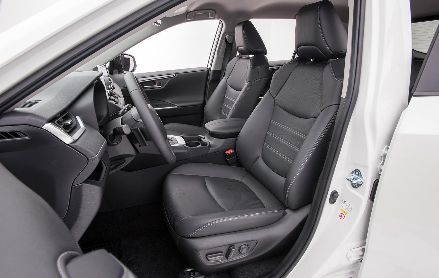 Toyota RAV4 2019 - fotel kierowcy