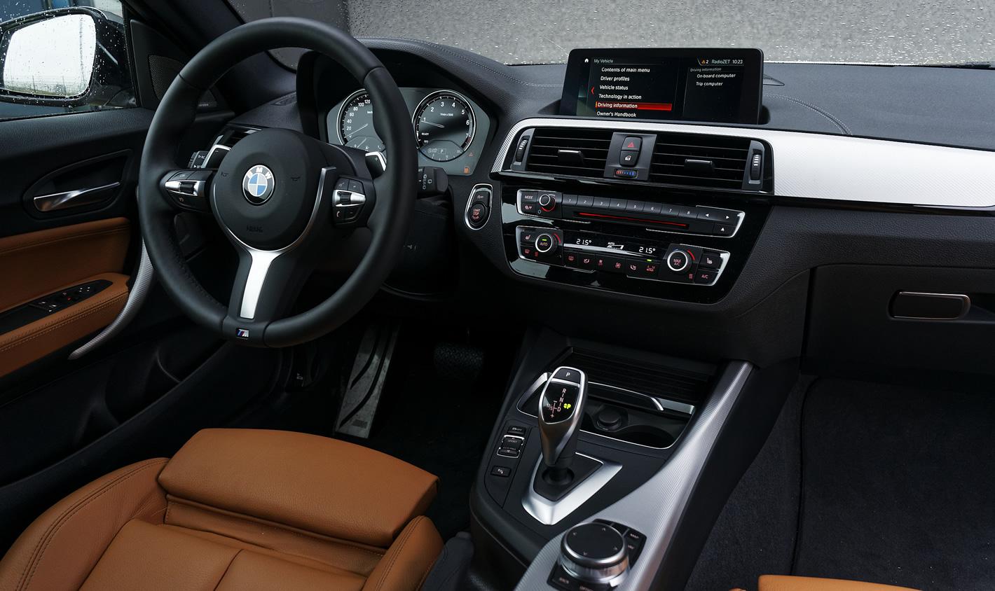 BMW M140i xDrive - w środku