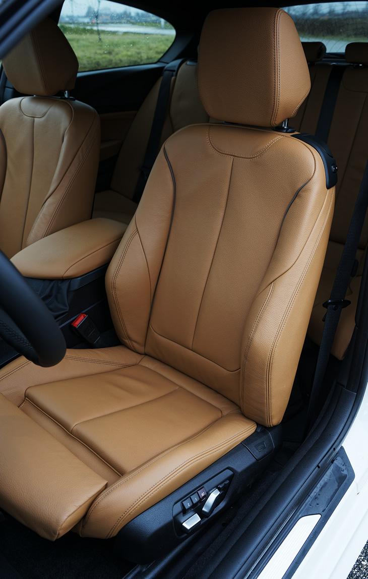 BMW M140i xDrive - fotel kierowcy
