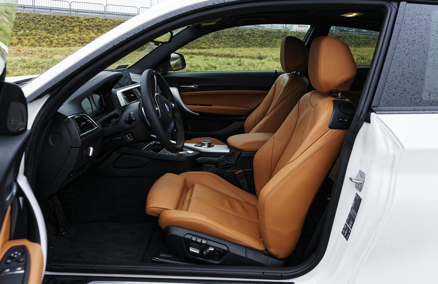 BMW M140i xDrive - wnętrze