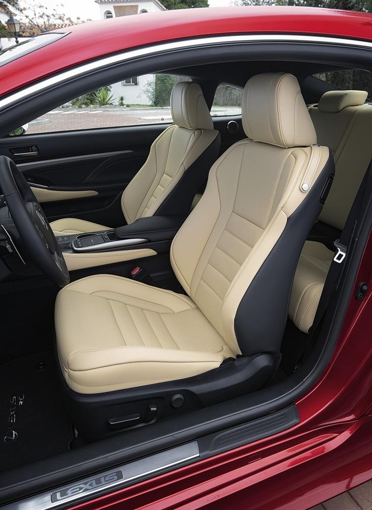 Lexus RC 300h 2019 - fotel kierowcy