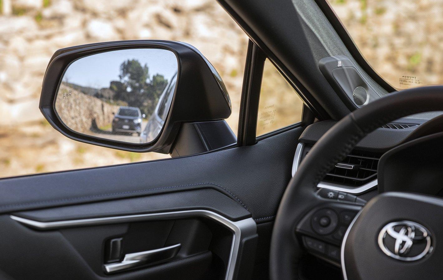Toyota RAV4 Hybrid 2019 - systemy bezpieczeństwa