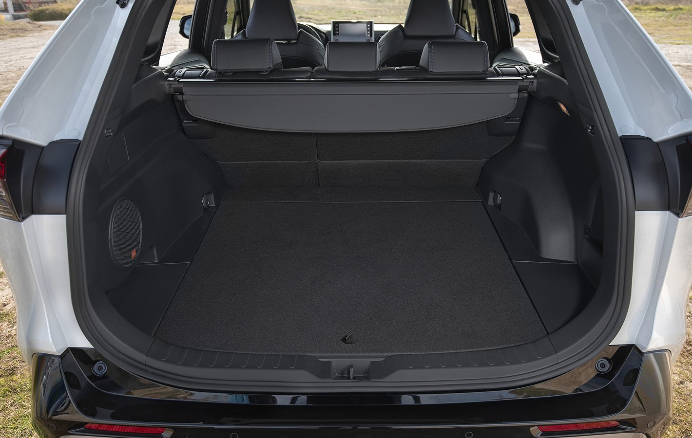 Toyota RAV4 Hybrid 2019 - bagażnik