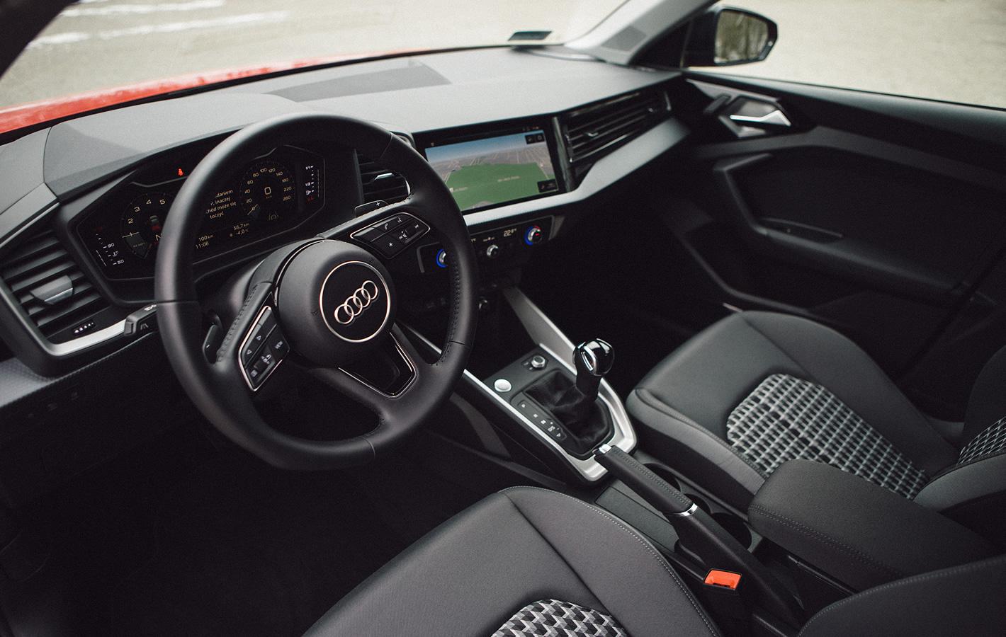 Audi A1 2019 - w środku