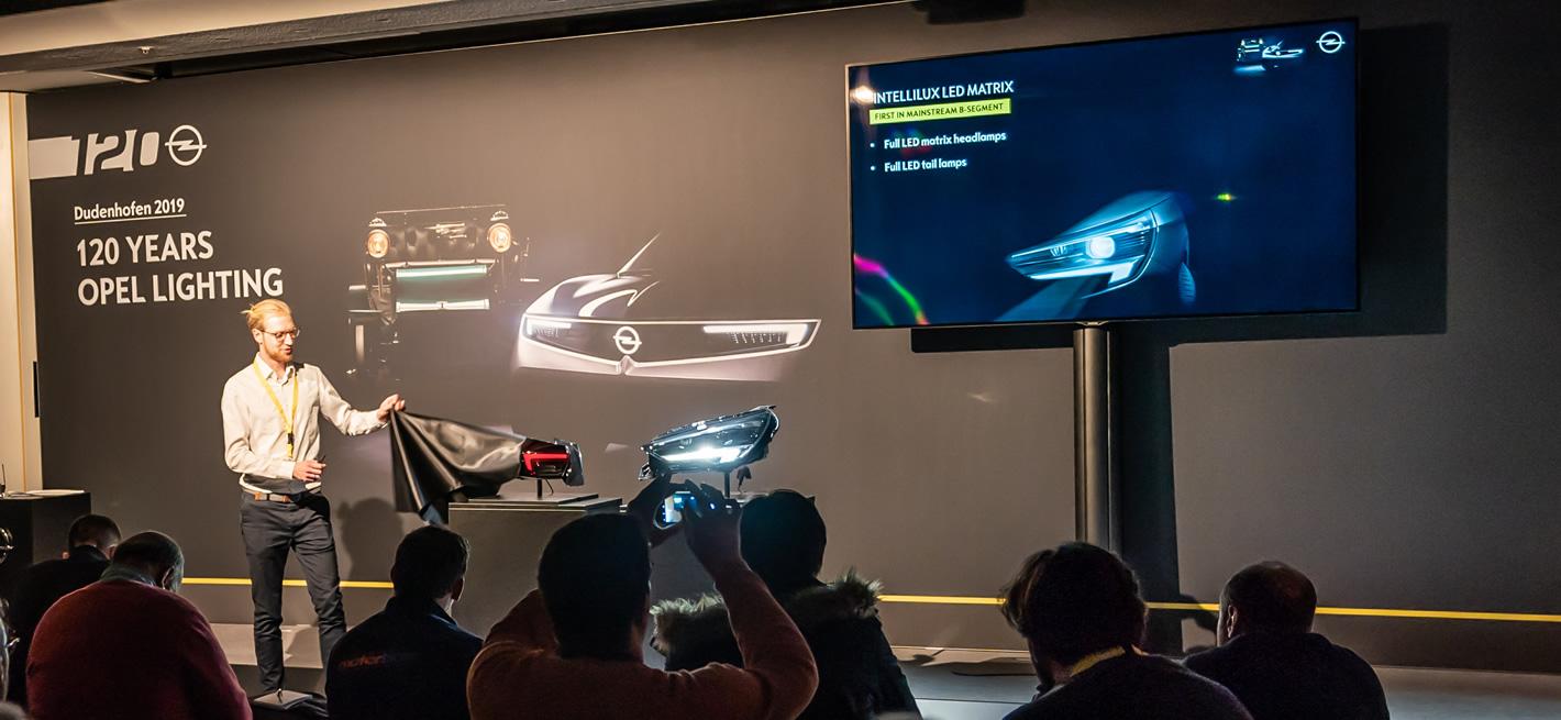 Reflektory IntelliLux LED w samochodzie Opel Corsa