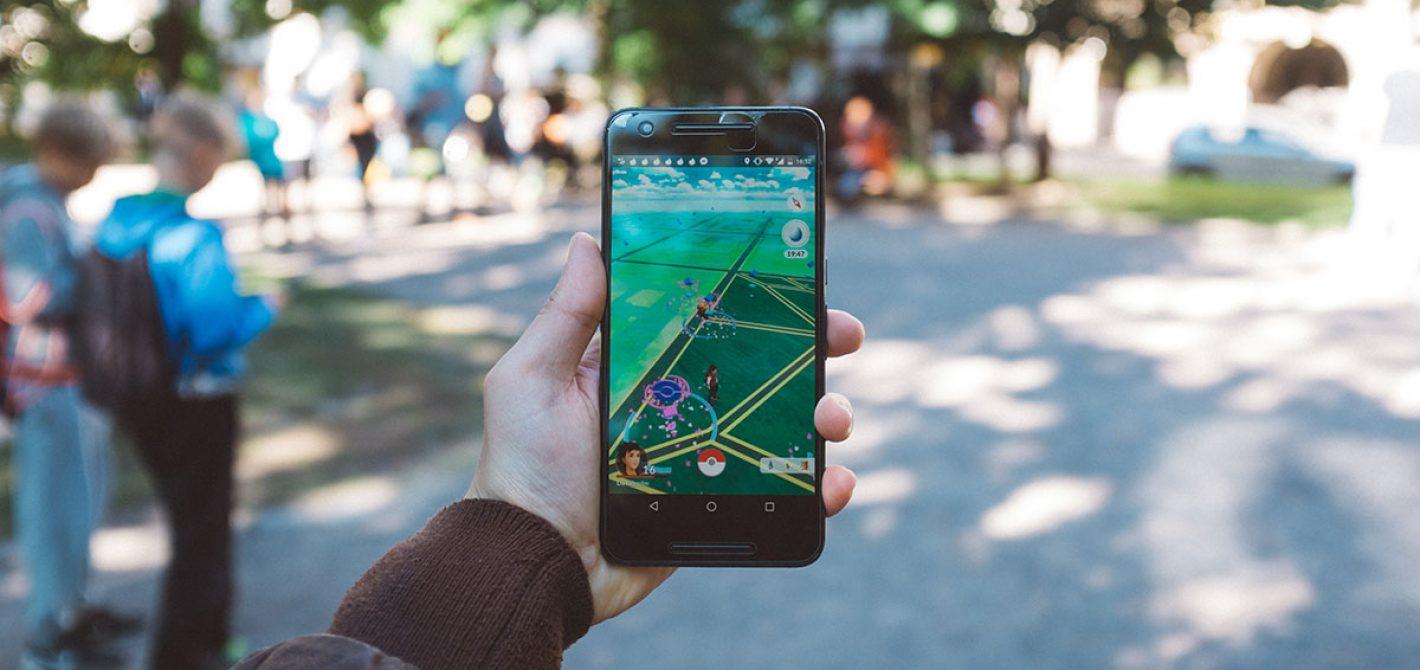 rozszerzona rzeczywistość pokemon go smartfon