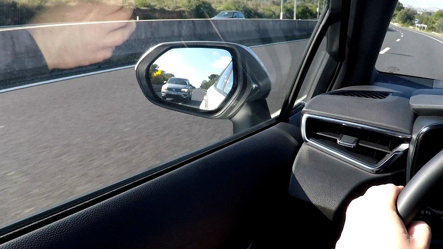 Toyota Corolla 2019 - asystent martwego pola
