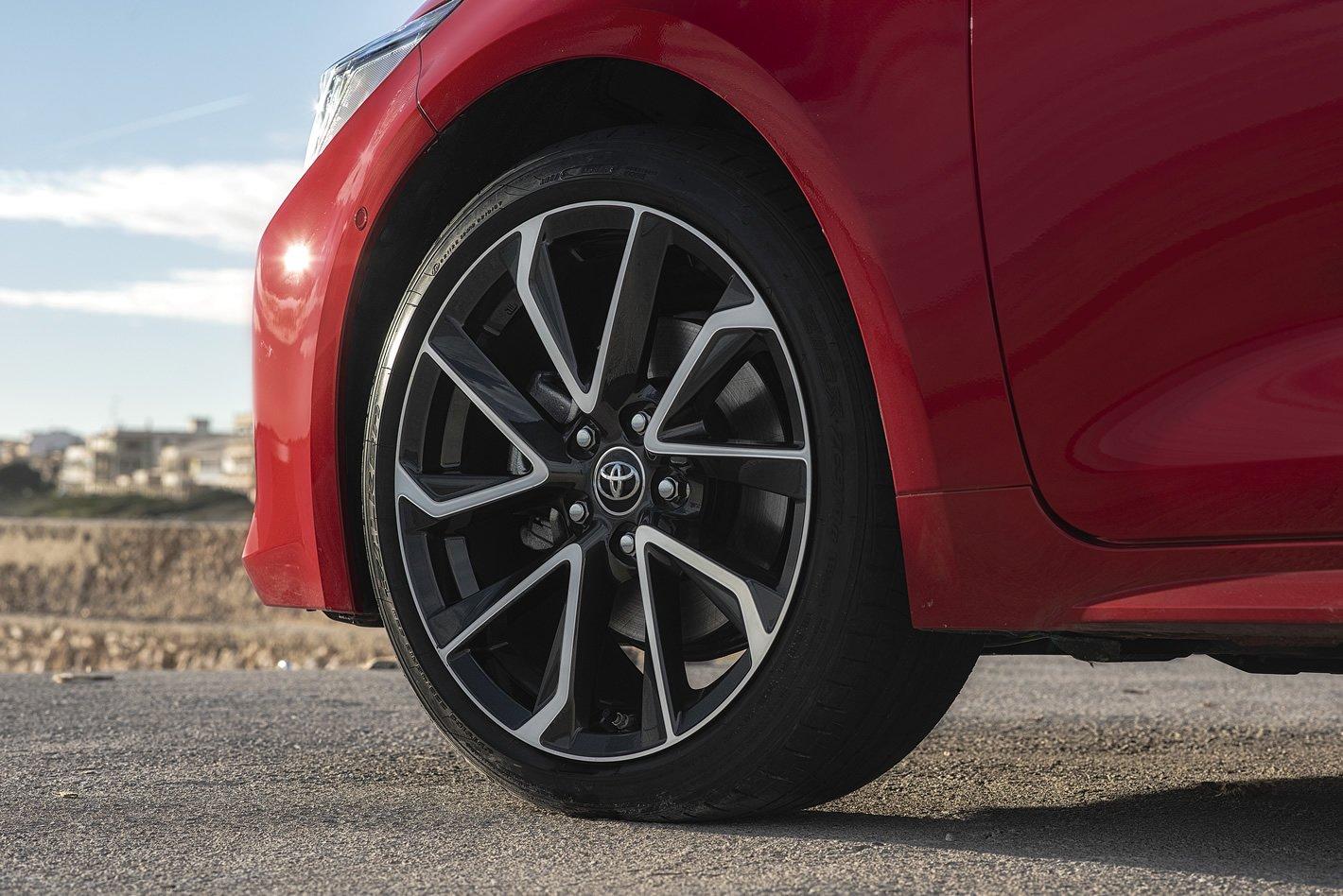 Toyota Corolla 2019 - felga i opona wersji 2.0 l Hybrid
