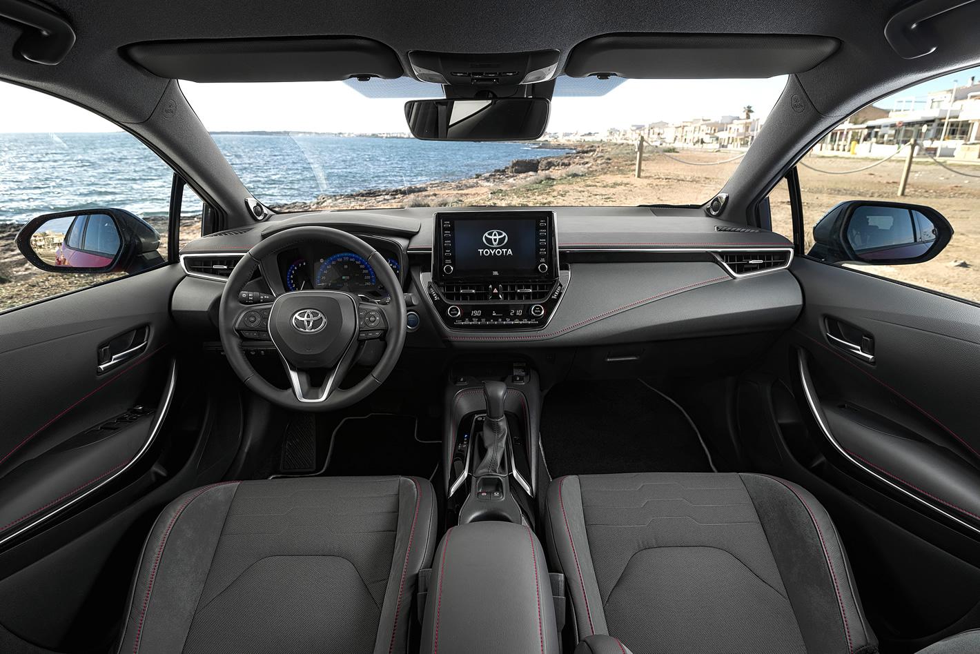 Toyota Corolla 2019 - wnętrze