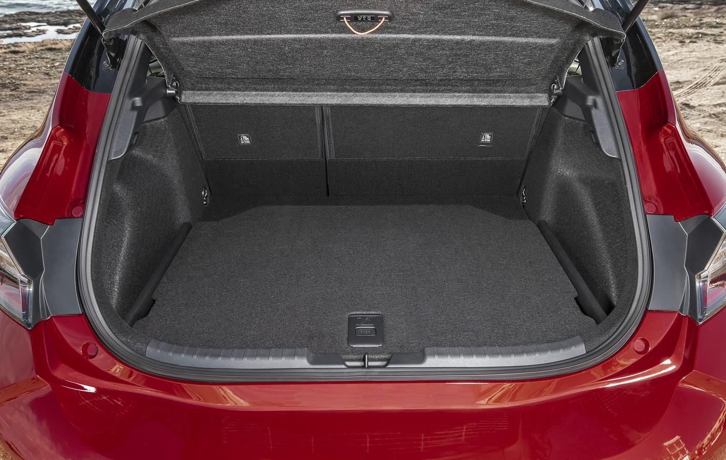 Toyota Corolla Hatchback 2019 - bagażnik