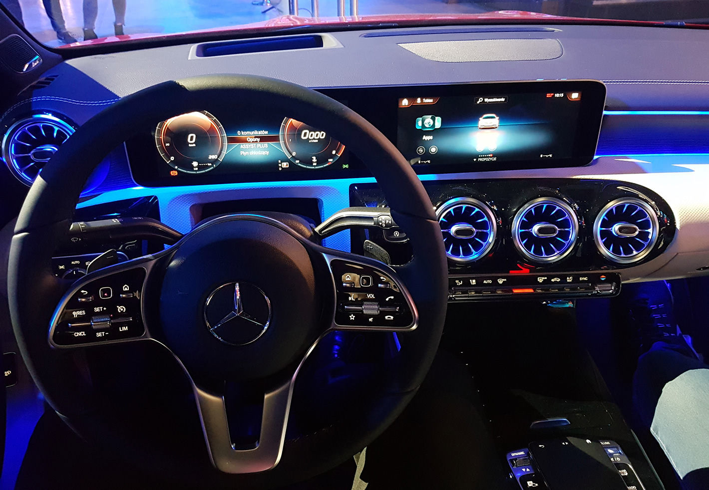 Mercedes-Benz CLA Coupe na ESL One 2019 - w środku