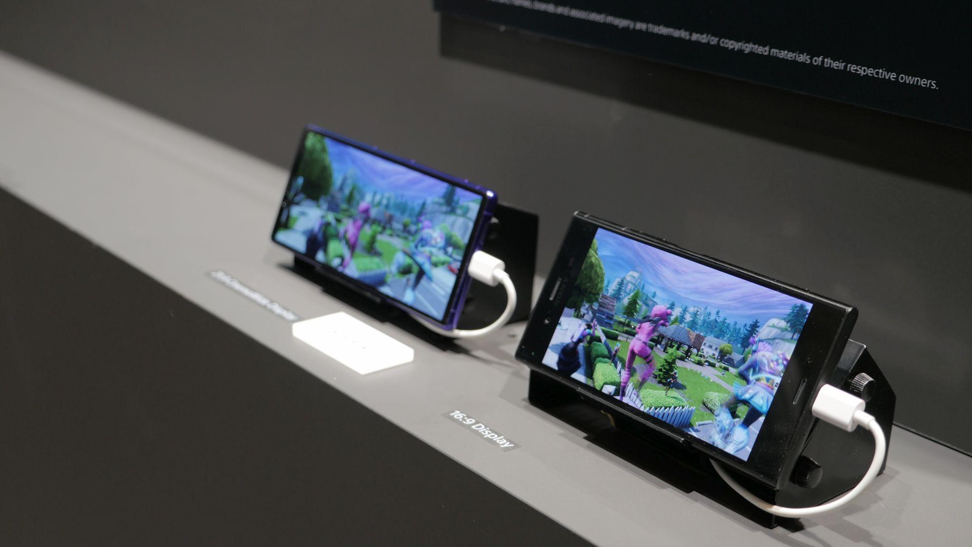8 aparatów w 1 smartfonie? To plan Sony na sukces