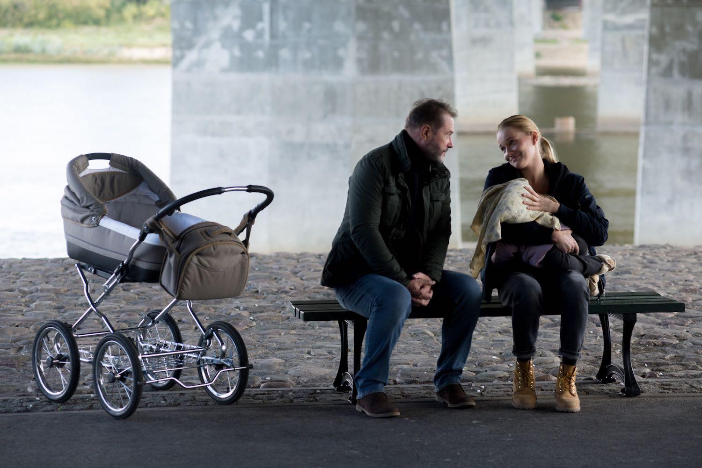 Odwróceni Artur Żmijewski (Sikora); Joanna Balasz (Lidka);; Sezon 2; Odcinek 1; fot. Maciej Hachlica/TVN