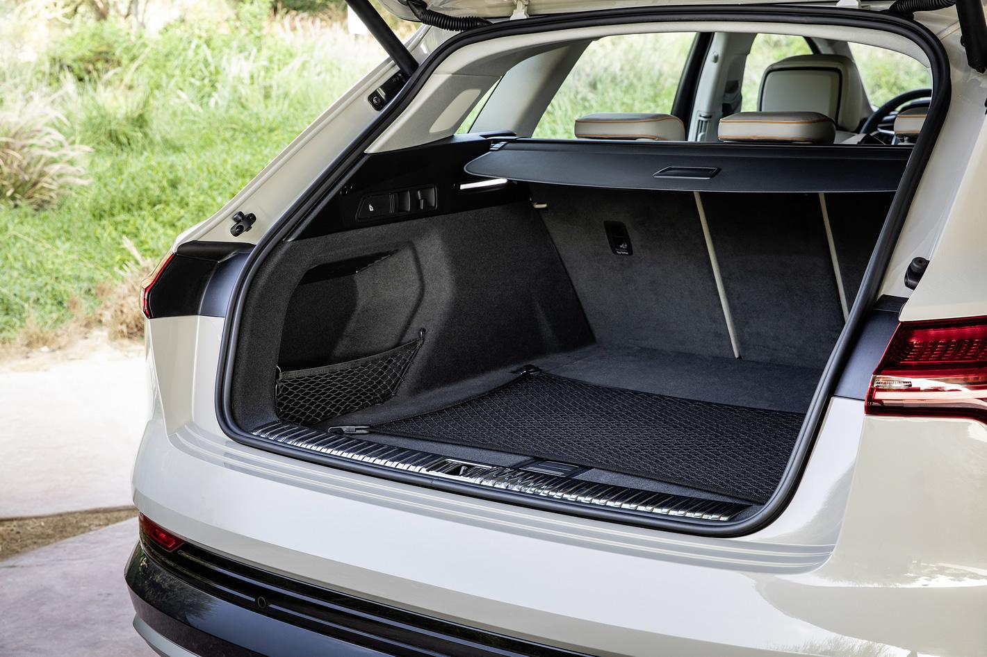 Audi e-tron 55 quattro - bagażnik