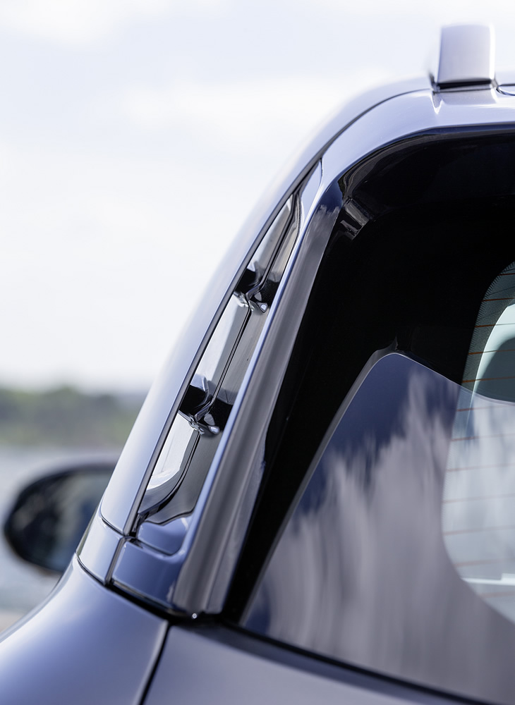 Hyundai Nexo - przelot powietrza w słupku D