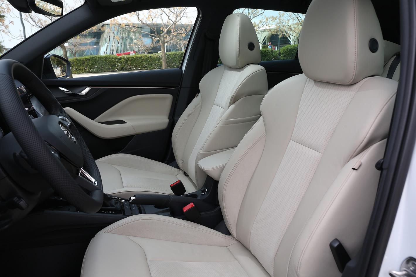 Skoda Scala - fotel kierowcy