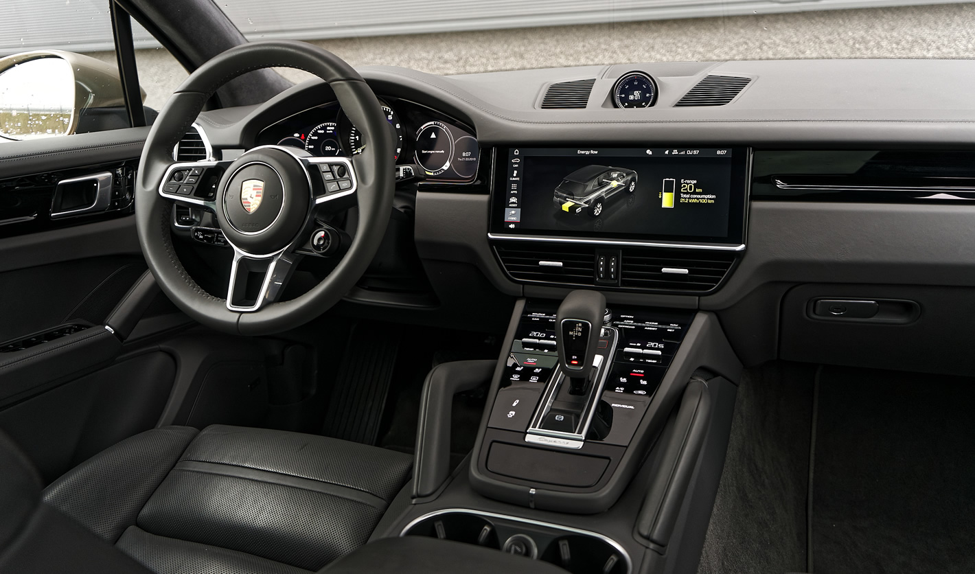 Porsche Cayenne E-Hybrid w środku