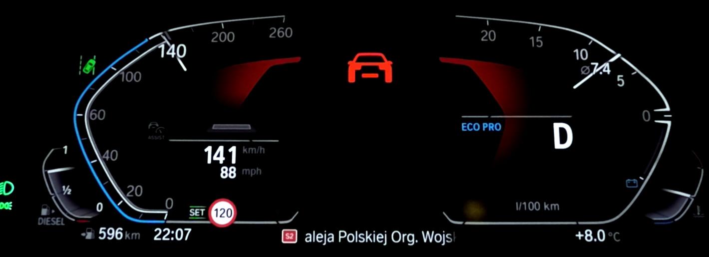 BMW 320d xDrive - ostrzeżenie o ryzyku kolizji