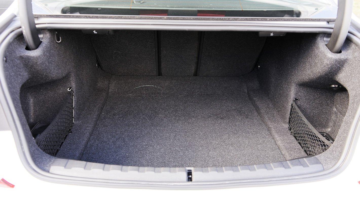 BMW 320d xDrive - bagażnik
