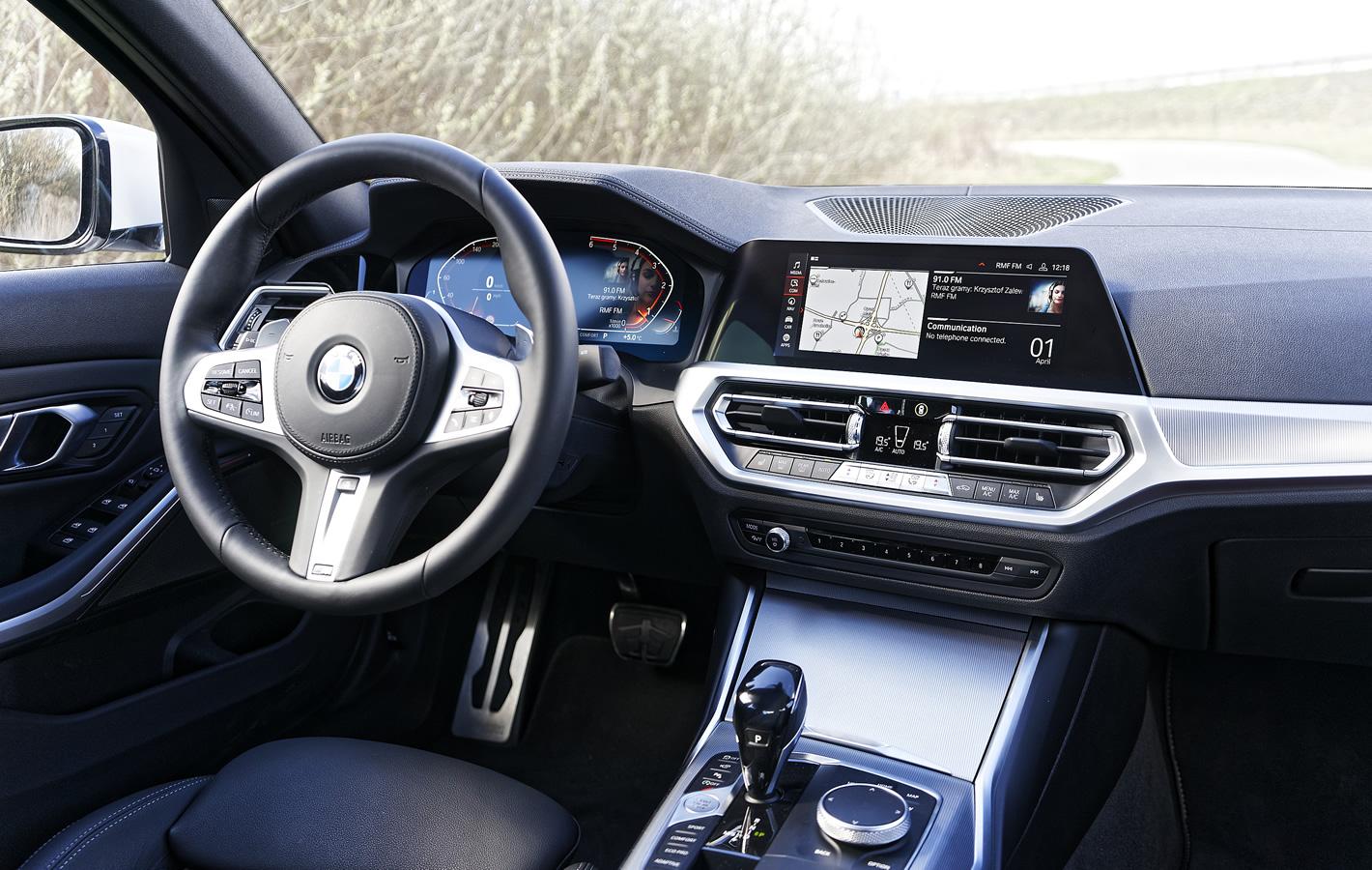 BMW 320d xDrive w środku