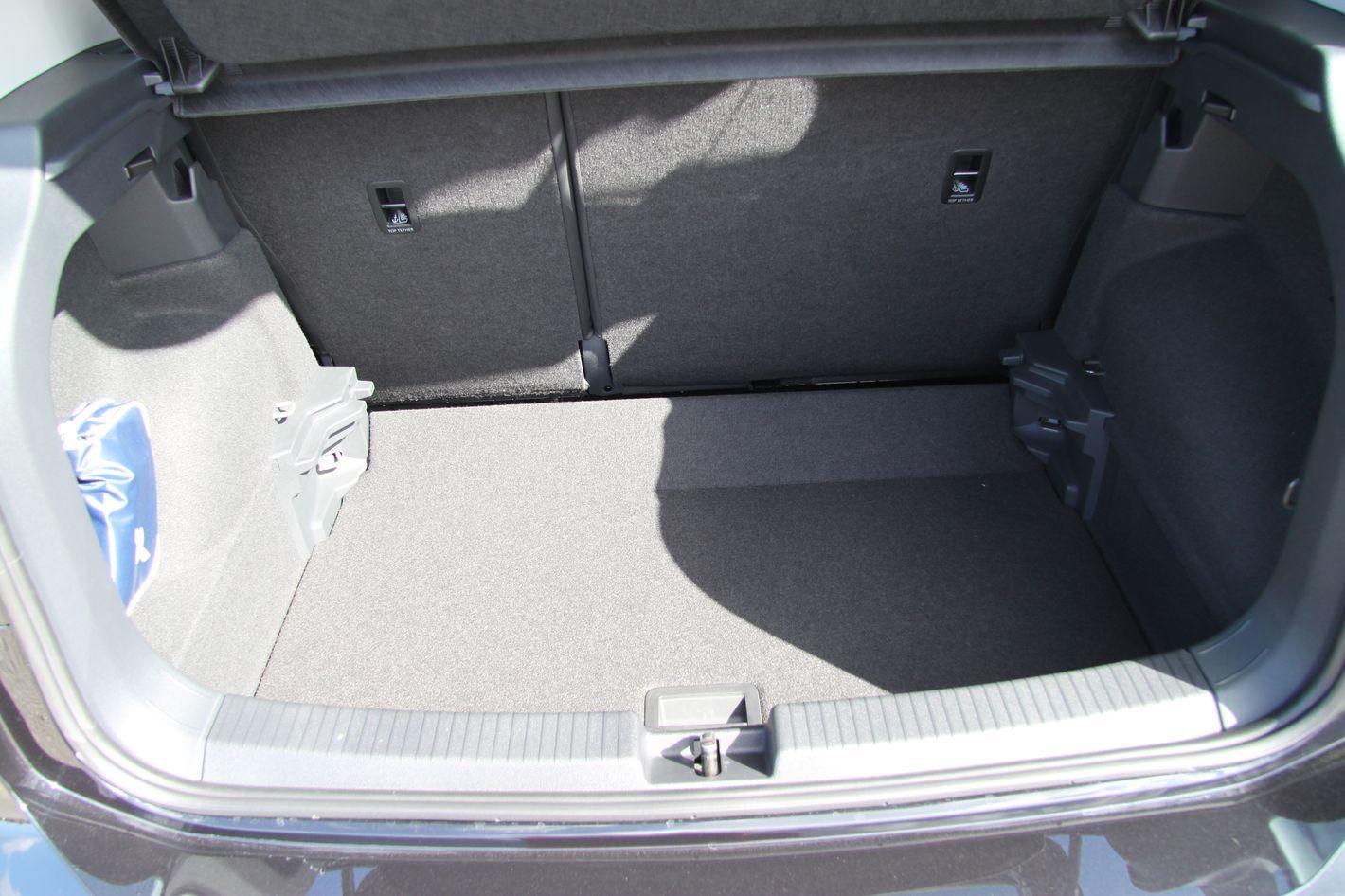 Volkswagen T-Cross bagażnik najniższe położenie