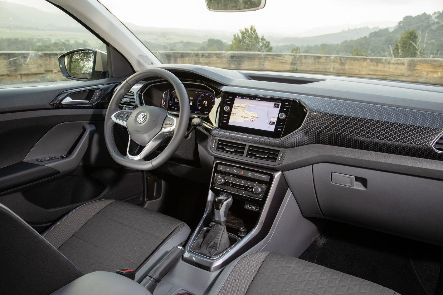 Volkswagen T-Cross wnętrze