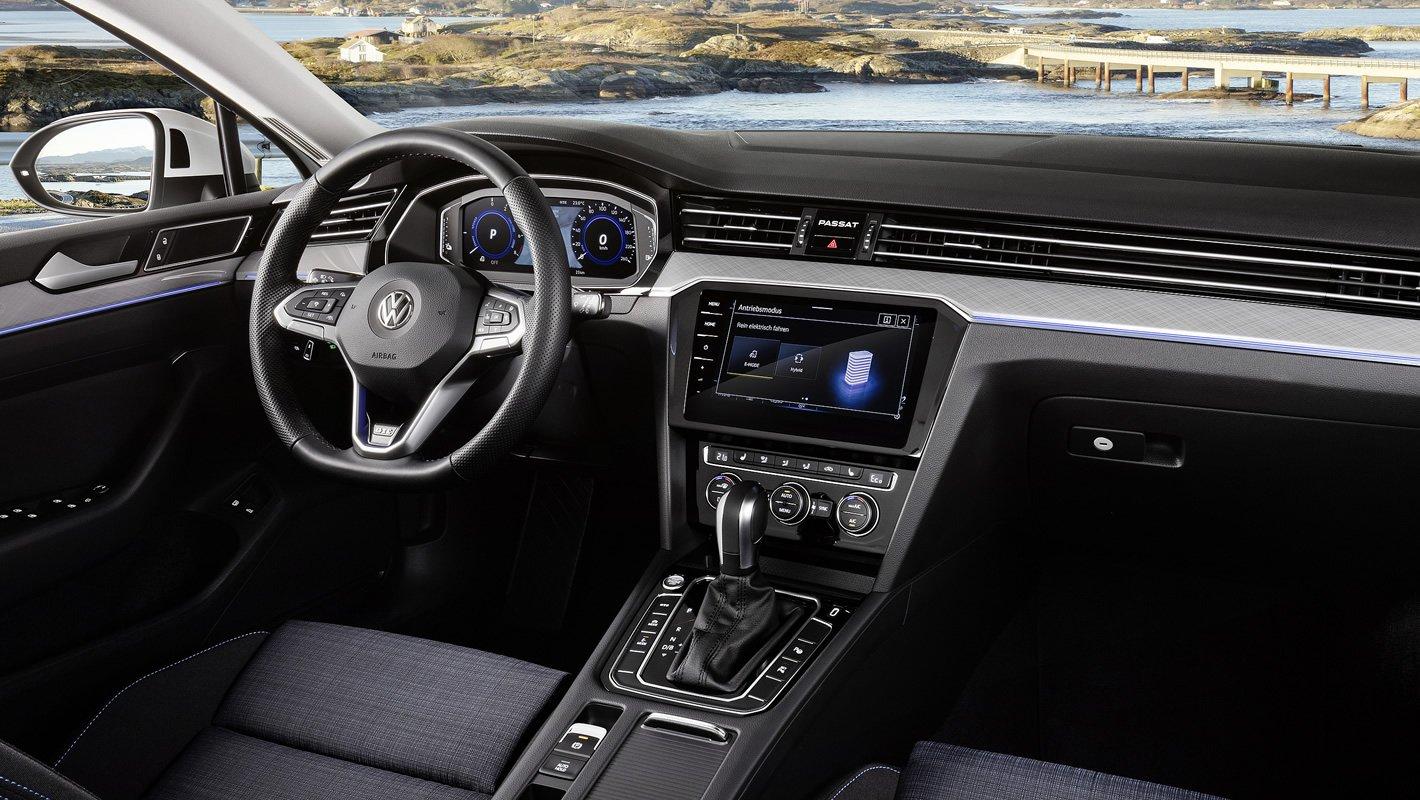 Nowy Volkswagen Passat - kierownica