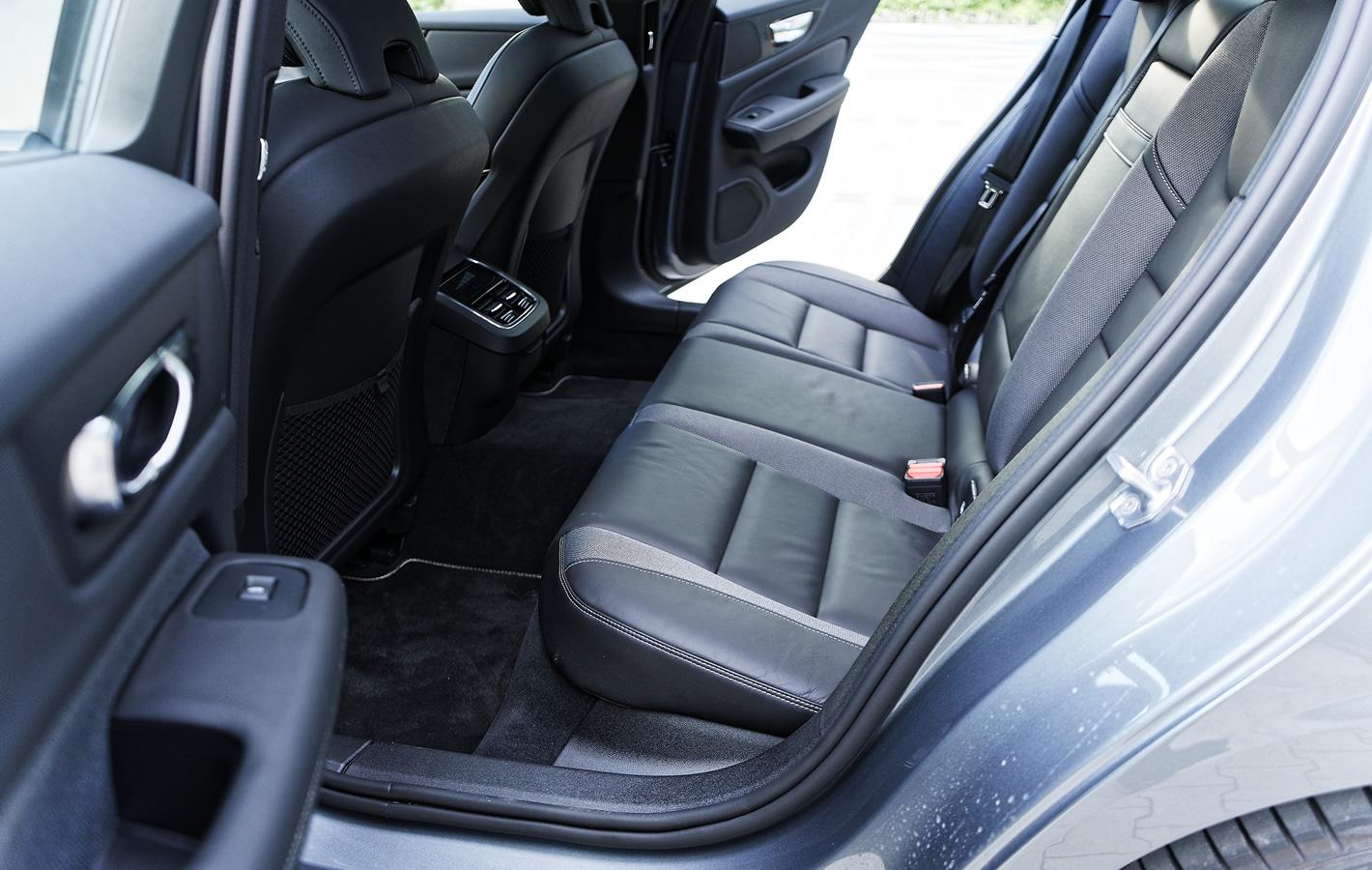 Volvo S60 T5 - tylna kanapa