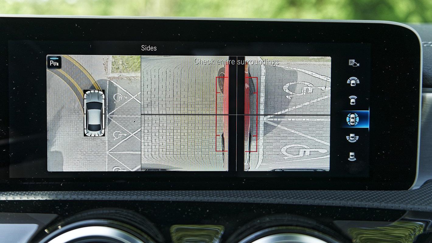Mercedes-Benz CLA 220 4Matic - system kamer 360 stopni