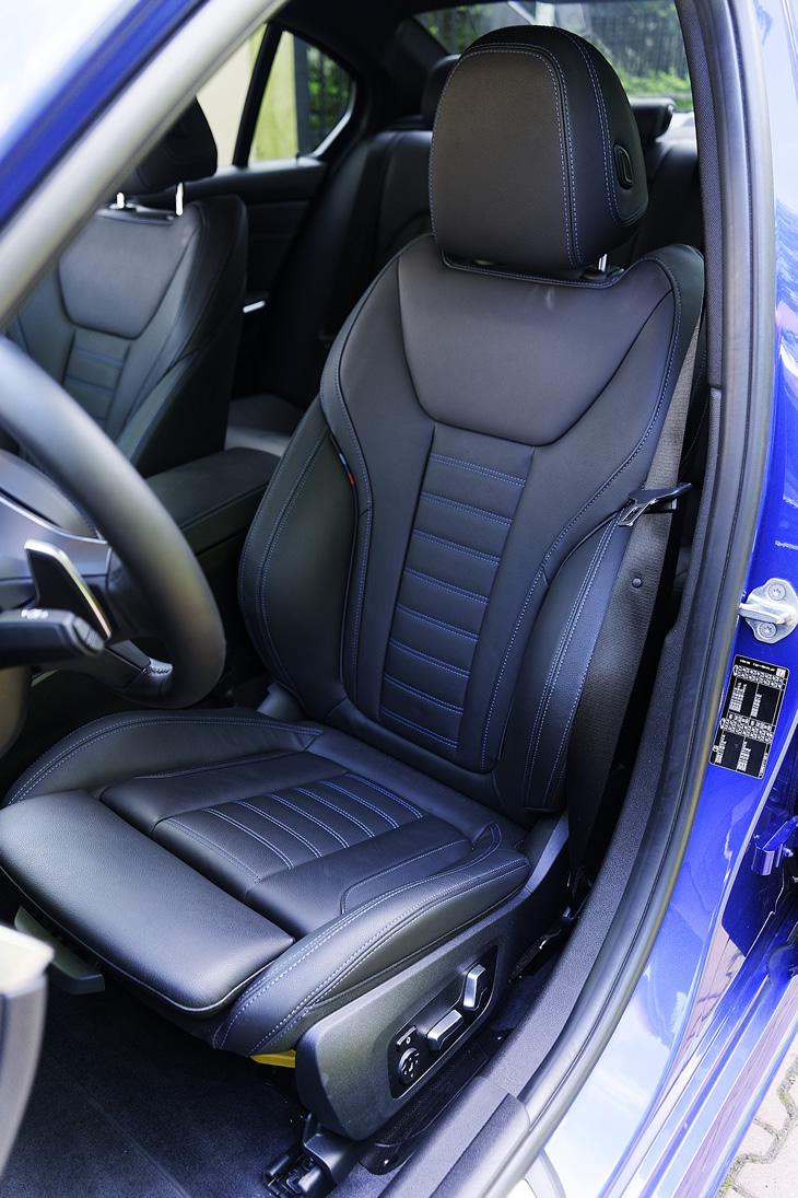 BMW 330i - fotel kierowcy
