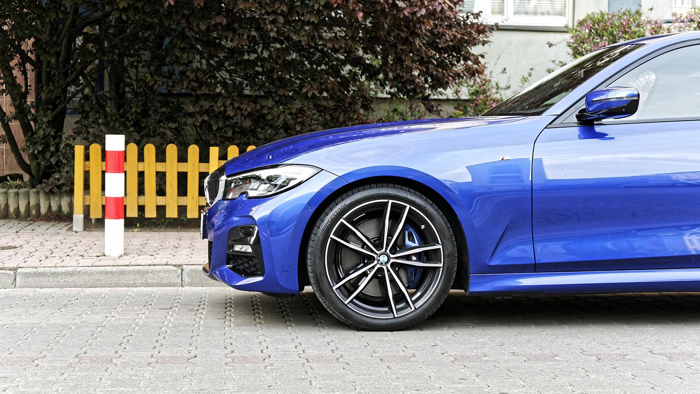 BMW 330i - hamulce przednie