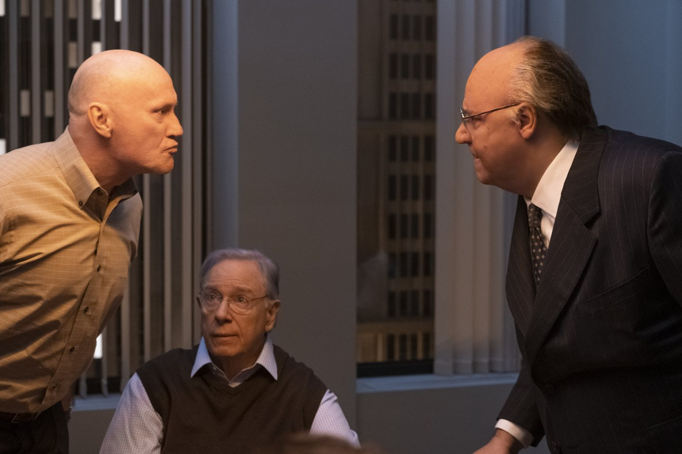 "(L-R): Jamie Jackson as Ian Rae, Guy Boyd as Chet Collier and Russell Crowe as Roger Ailes in THE LOUDEST VOICE, ""1996"". Photo Credit: JoJo Whilden/SHOWTIME."