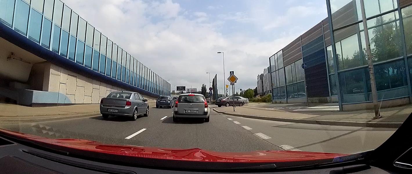 Ścieżka rowerowa przecina drogę