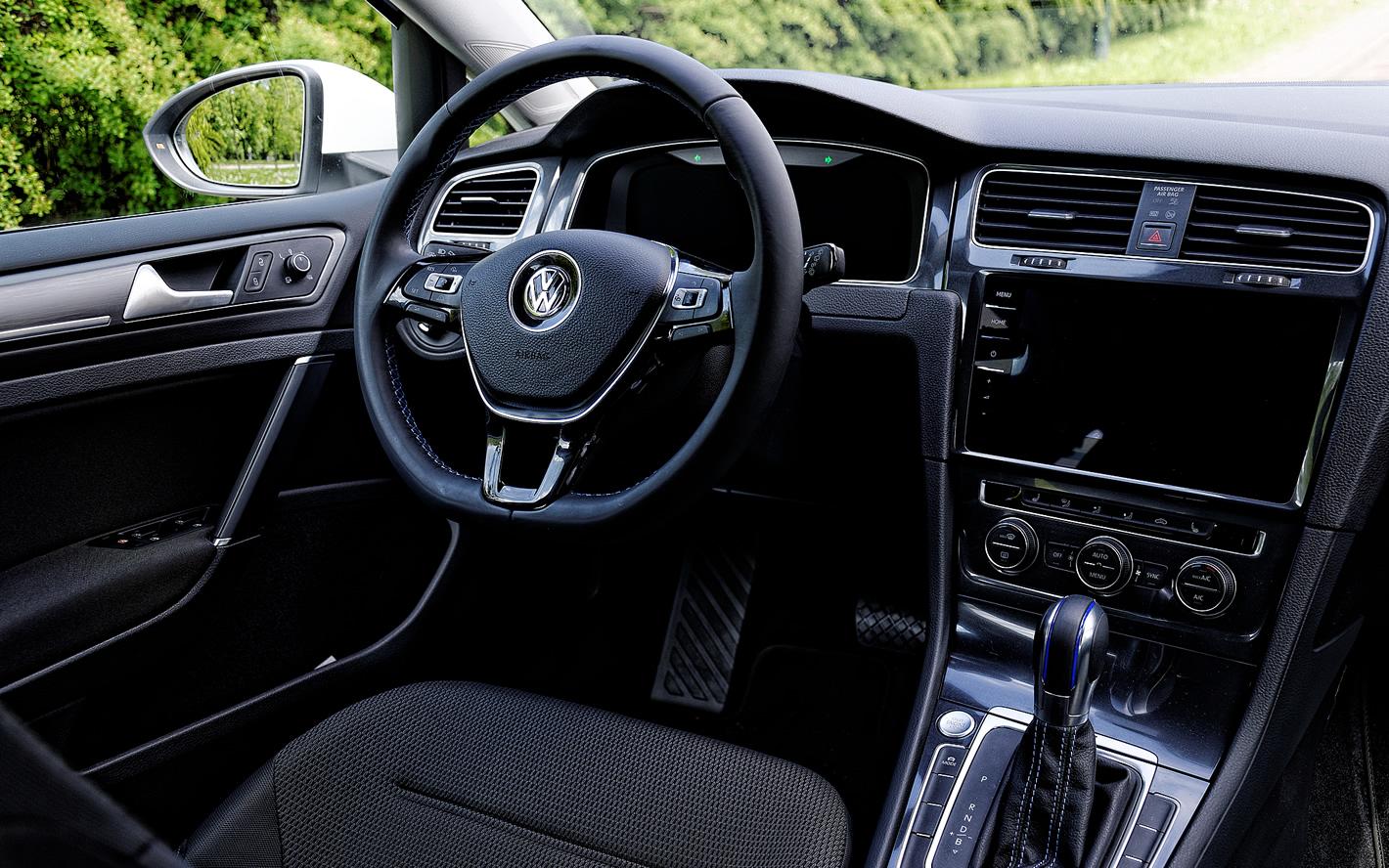 Volkswagen e-Golf w środku
